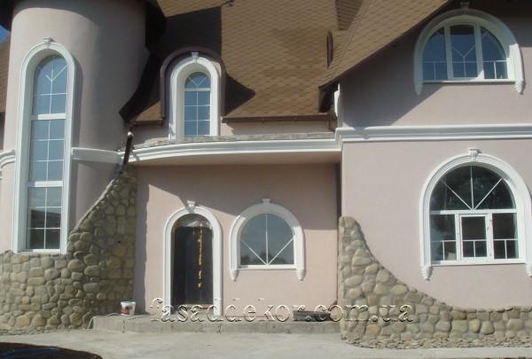 декор фасада арками из пенополистирола