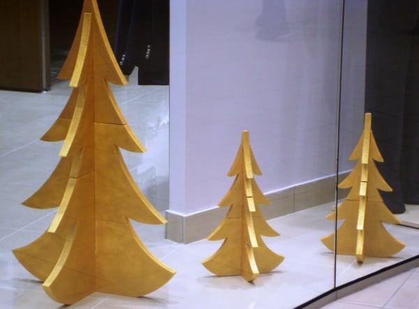 елка из пенопласта